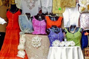 lisola-di-burano-gondole-merletti-e-case-colorate-300x200 L'Isola di Burano: gondole, merletti e case colorate