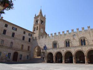 montecassiano-borgo-intatto-del-medioevo-300x225 Montecassiano: borgo intatto del Medioevo