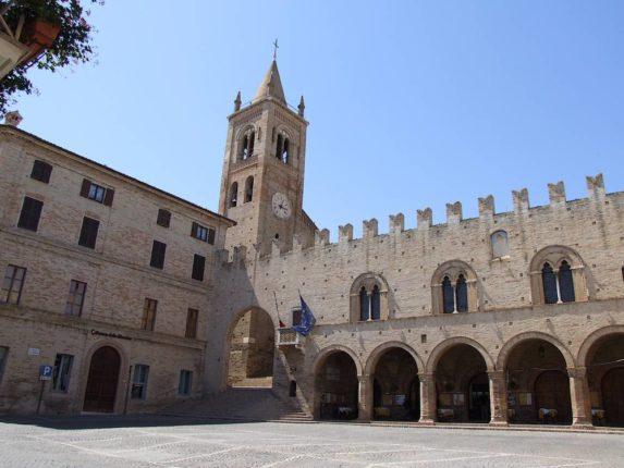 Montecassiano: borgo intatto del Medioevo