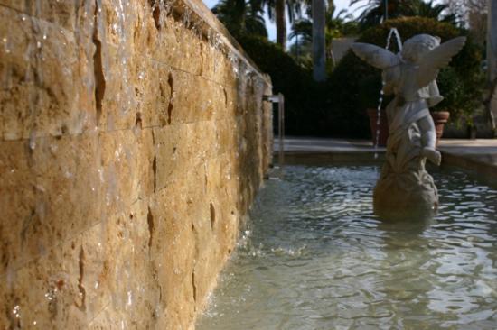 Coccolarsi in ogni stagioni nelle calde acque delle Terme di Sardara