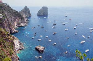 visitare-capri-isola-turistica-incontaminata-3-300x198 Visitare Capri: isola turistica incontaminata 2