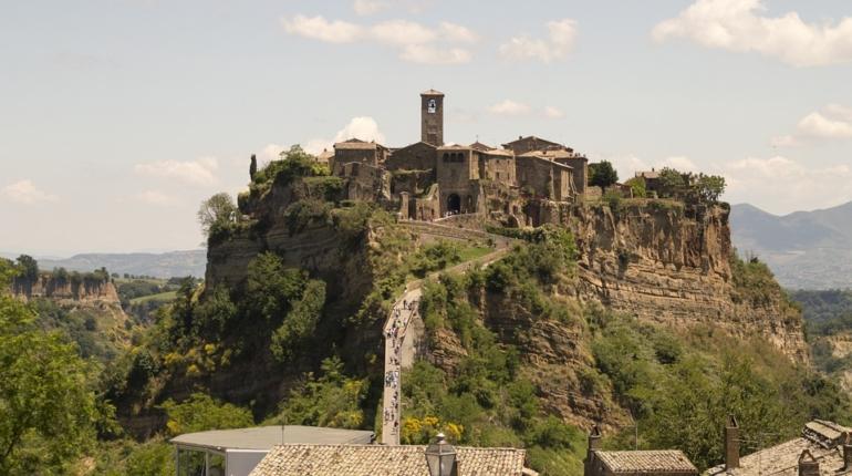 Civita di Bagnoregio - in Lazio la città che muore