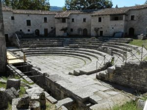 sepino-il-borgo-molisano-che-nasconde-un-tesoro-300x225 Sepino: il borgo molisano che nasconde un Tesoro 1